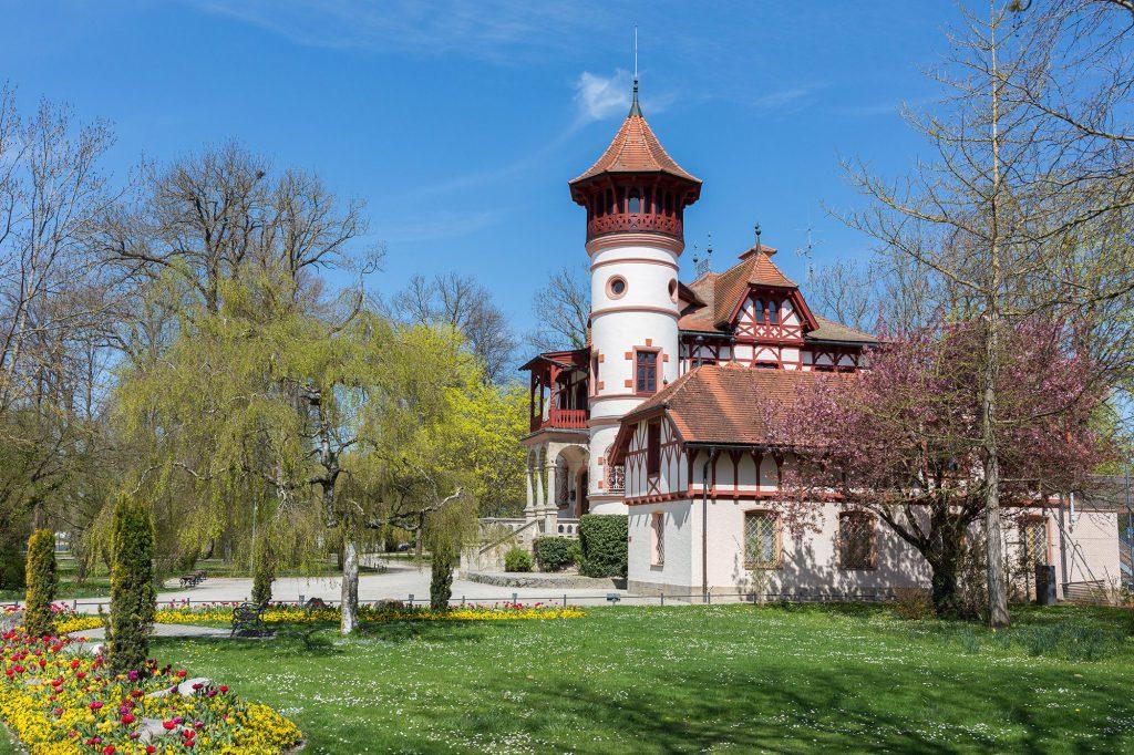 Schloss Andechs umgeben von wunderschöner Natur